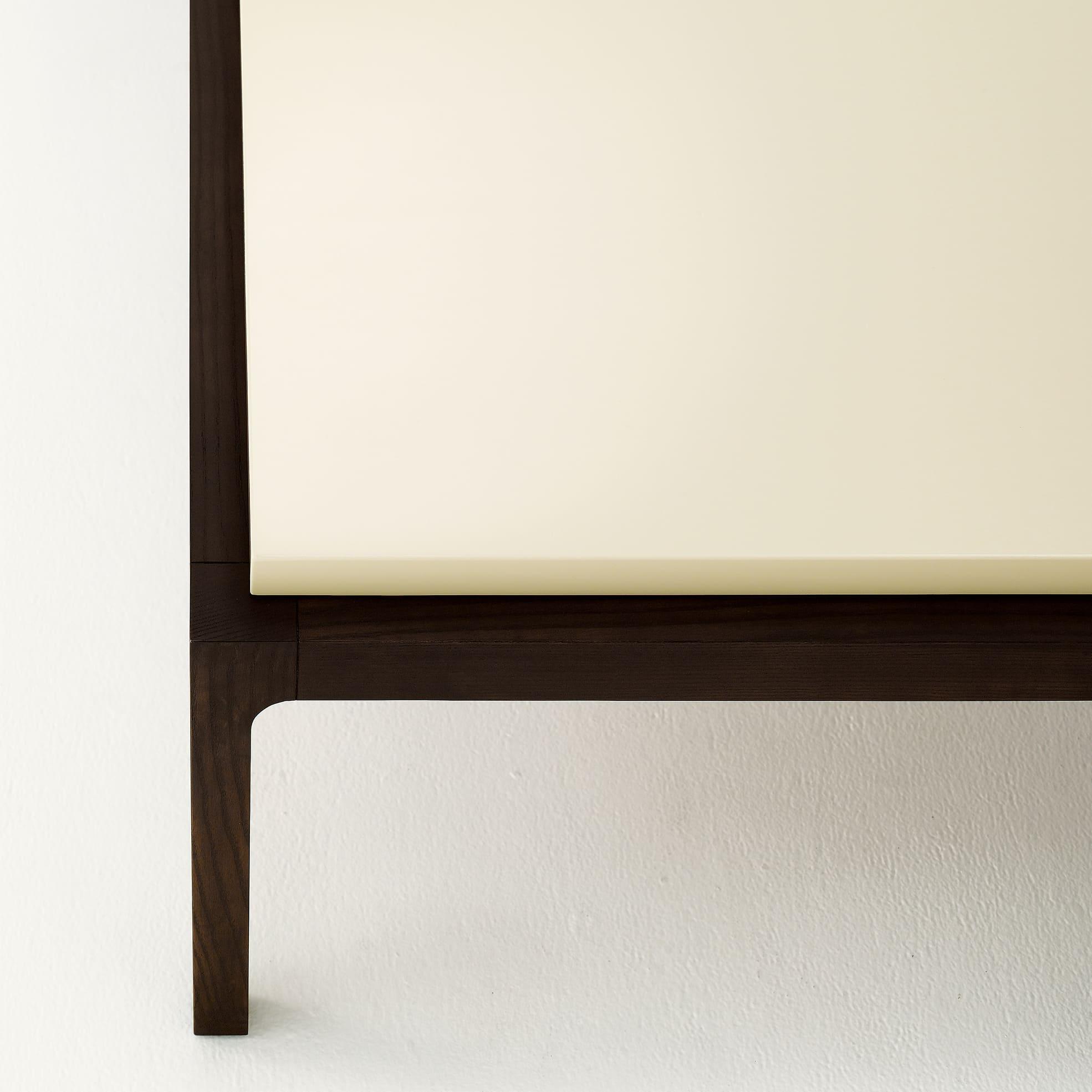 コントラスト Contrast  ローテーブル 四角い ロビー 客室 TA3