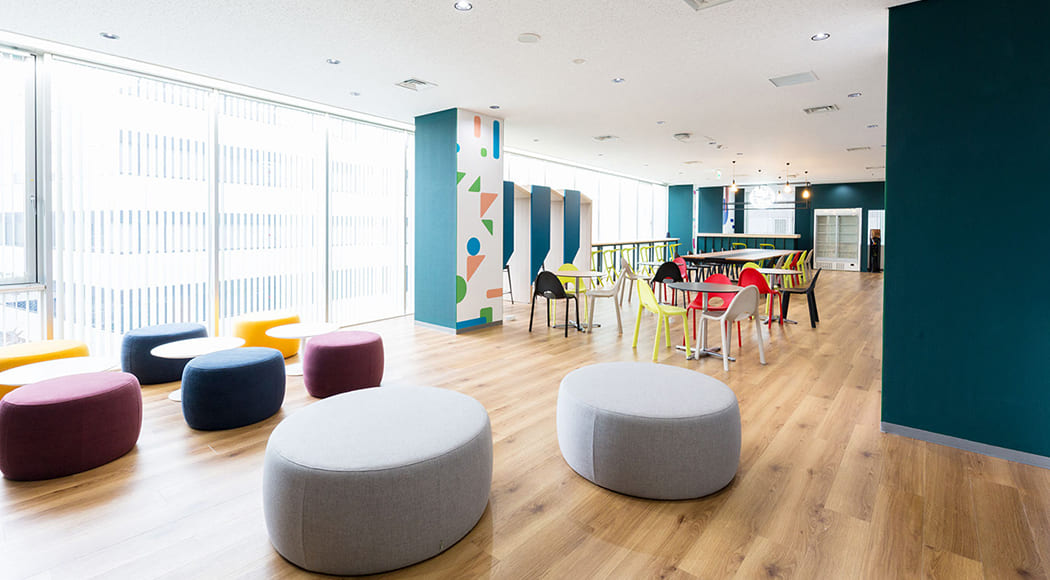 Ara Clivo チェア スタッキング オフィス ロビー 会社 共有スペース 業務用家具