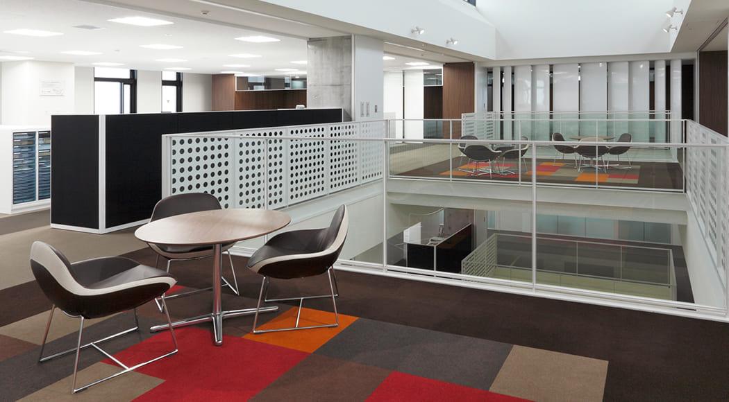 Ciambella チェア 回転式 オフィス 共有スペース ミーティングスペース 業務用家具