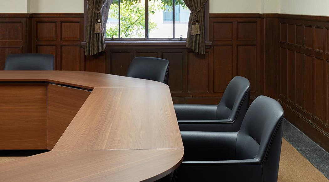 Cassis チェア アームあり キャスターあり 会議室 お寺 業務用家具