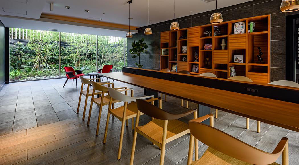 Monza チェア ラウンジ アームあり マンション 業務用家具